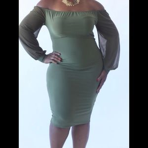 Dresses & Skirts - New Plus size Midi Bodycon